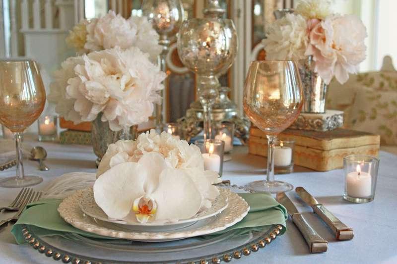 Vintage wedding ideas on pinterest vintage weddings for Vintage wedding table decorations